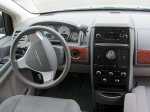 Autorent_Chrysler_Grand_Voyager_Town_Country__5